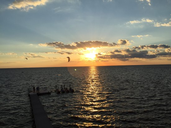 Rodanthe, North Carolina: Sunset view from the outside deck