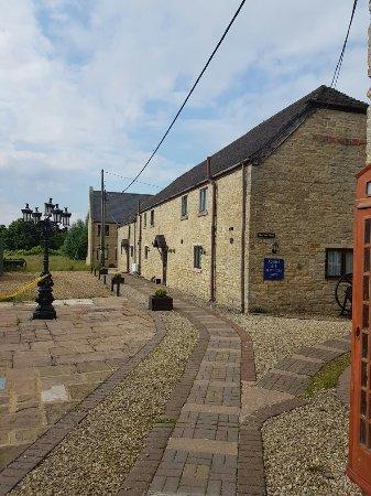 Bletchingdon, UK: 20160618_174103_large.jpg
