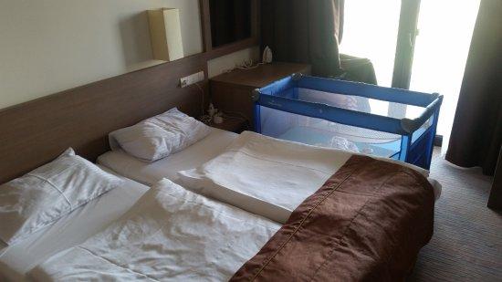 Sypialnia łóżeczko Własne Picture Of Baltic Plaza Hotel