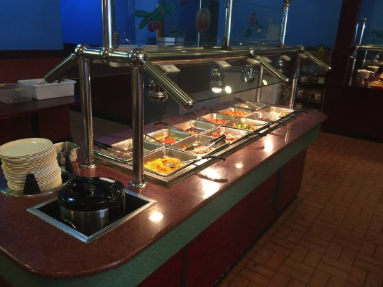 Macomb, IL: Buffet table