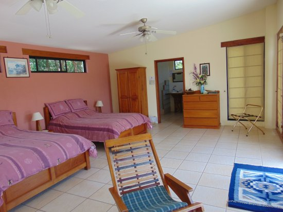 Georgeville, Belize: Spacious Accommodation