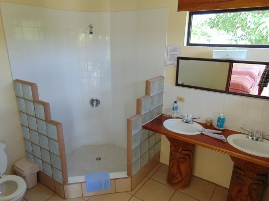 Georgeville, Belice: Clean Bathrooms