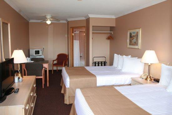 Travelodge Courtenay BC: Newly Renovated Superior Room