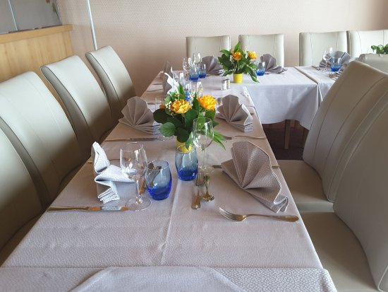 Table d 39 anniversaire picture of bacouni yvoire tripadvisor - Table d anniversaire ...