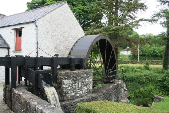 Newmills Corn and Flax Mill: Water wheel and slew.