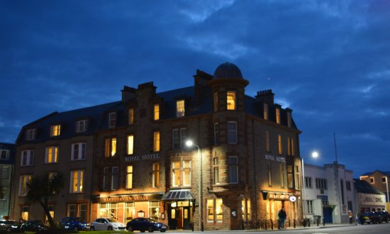 The Royal Hotel: The Royal by night