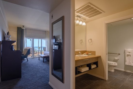 Tamarack Beach Resort and Hotel: Ocean View Hotel Room