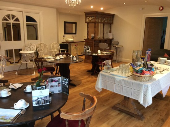 Briers Country House: Dining room & New Bar!!