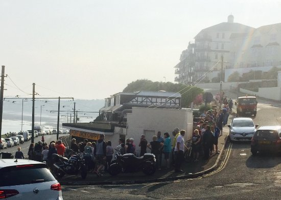 Port Jack Chippy & Diner: The biggest queue for the best fish and chips EVER!