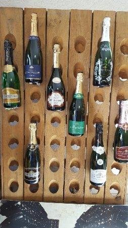 Villers-sous-Chatillon, Francja: Champagne J. Charpentier