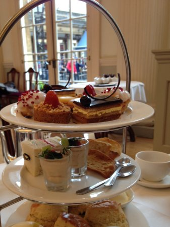 The Bath House: Cream tea in the pump room