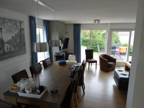 Landal Beach Park Texel: Woonkamer/Eetkamer