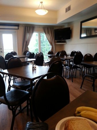 Comfort Inn & Suites: 20160611_085647_large.jpg