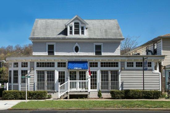 Berkeley Springs, Virginia Occidental: Circa 33 Public House