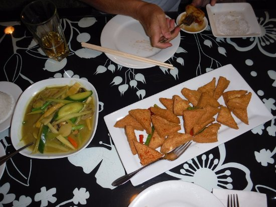 Buddha's Veggie Restaurant: Veg in curry sauce - fired tofu