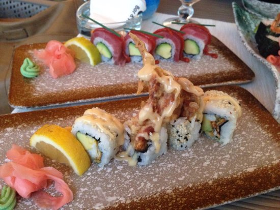 Spicy tuna and Soft-shell crab makis