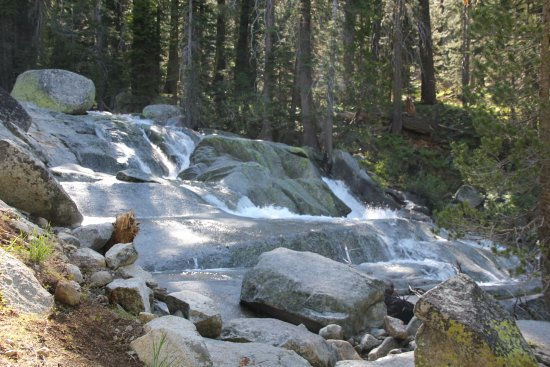 Three Rivers, CA: view along Tokopah Falls Trail