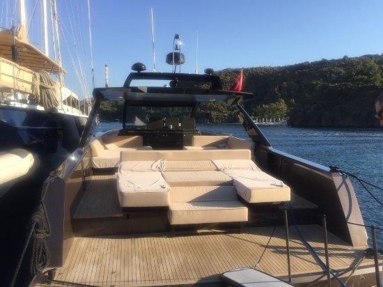 Alia Yacht
