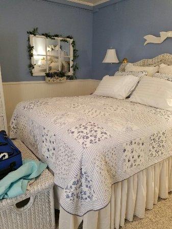 Allison House Inn: 20160615_172637_large.jpg