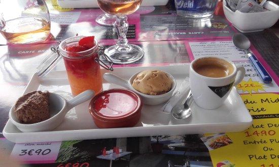 Francueil, Frankrike: le café gourmand