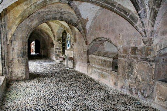 Saint-Bertrand-de-Comminges, Francia: galeria externa