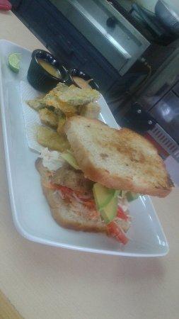 Canela's Cafe