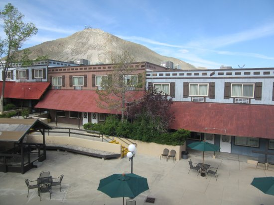 Tonopah Station Hotel, Casino, RV Park : View from room at Tonopah Station Hotel