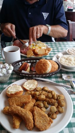 Dunlap, TN: Country Ham & Fried Catfish