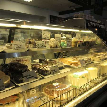 Cyd's Gourmet Kitchen: Dessert to Your Liking at Cyd's. June 2016