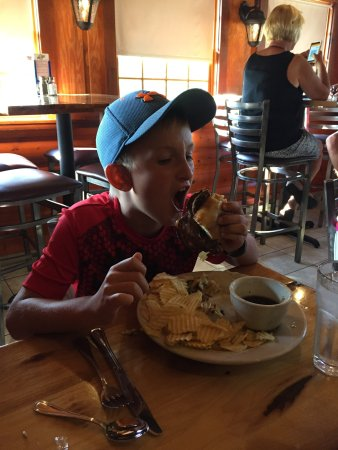 Sturgis, MI: Prairie Lake Tavern