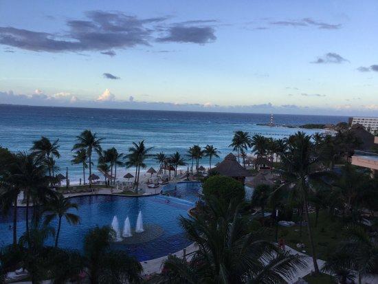 Grand Fiesta Americana Coral Beach Cancun: Absolutely beautiful hotel and beach!