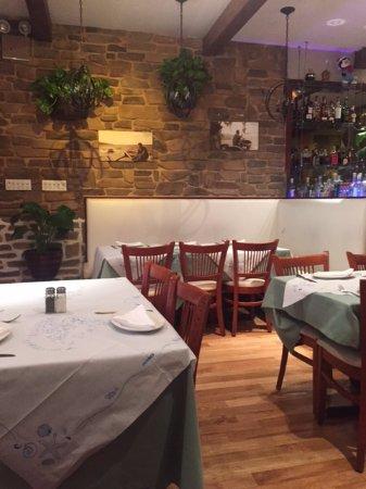 Parte Do Salao Picture Of Loukoumi Taverna Astoria