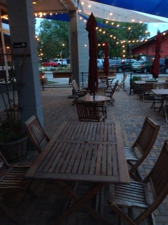 Blue Plate: Outdoor seating