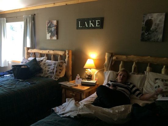 Summit Lake Lodge ภาพถ่าย
