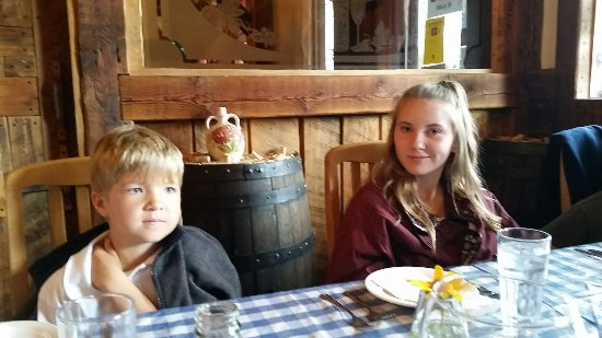 Savvios Family Restaurant: Enjoy the service and food fabulous