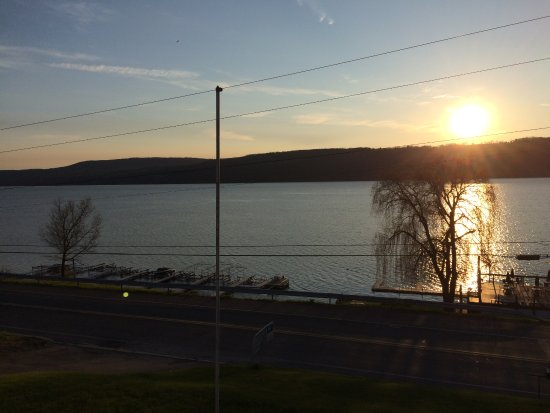 Anchor Inn And Marina : Seneca Lake
