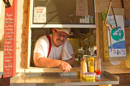 Cherry Valley, NY: Pete, the owner of Tepee Peet's Chow Wagon