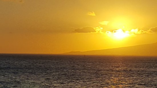 Star of Honolulu - Dinner and Whale Watch Cruises: Sunset over Oauhu Coast Line