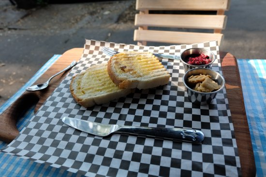 Los Amantes, cafe & Bistro: bread with some sort of peanut butter and jelly