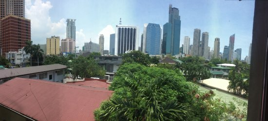 Fersal Hotel Neptune Makati: View from room