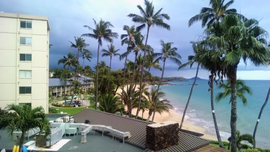 Kamaole Nalu Resort: Yes, there are buildings. Columns 1, 2 & 3 will have a less appealing view.