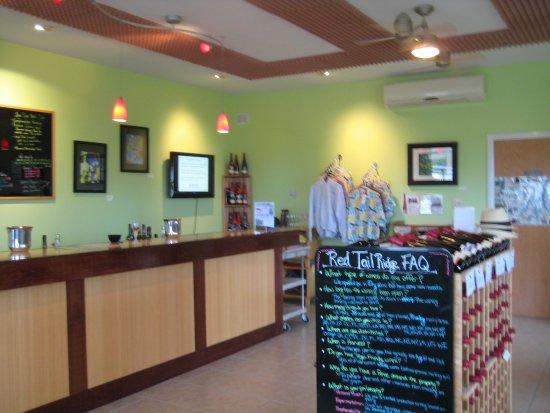 Red Tail Ridge Winery : Tasting room