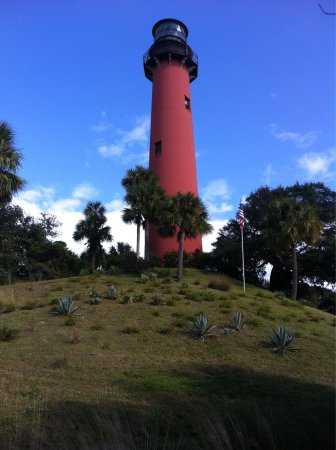 Jupiter Lighthouse ... Lovely lighthouse with a rich history. Perfect place to spend an hour or