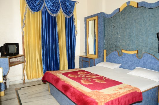 Hotel Golden Heritage : Standard ac rooms