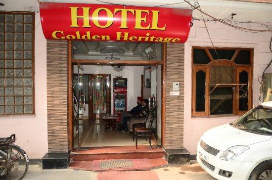 Hotel Golden Heritage: frontside Door