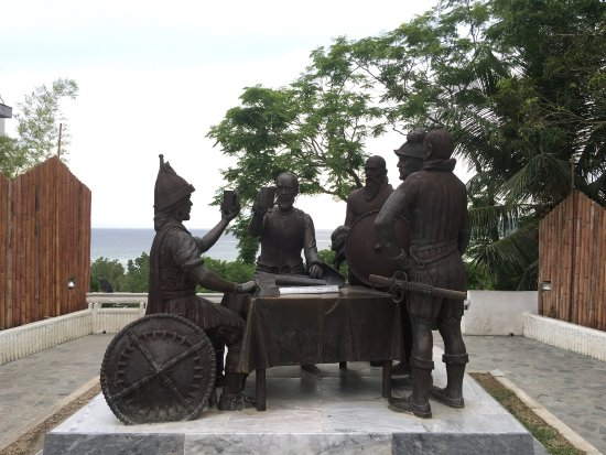 Blood Compact Monument: photo0.jpg