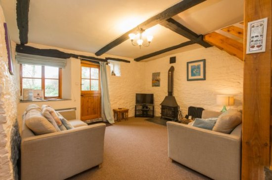 Pencuke Farm Holidays: Appleloft living area