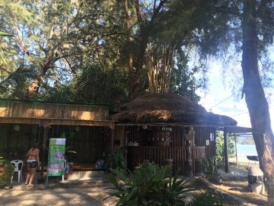 Long Beach Villa: สถานที่เงียบสงบมีชายหาดสวนตัวแนะนำควรเช่ารถเข้าไปเพราะไม่มีรถไปค่ารถแพงมากมีไวไฟมีที่อาบน้ำหลังเ