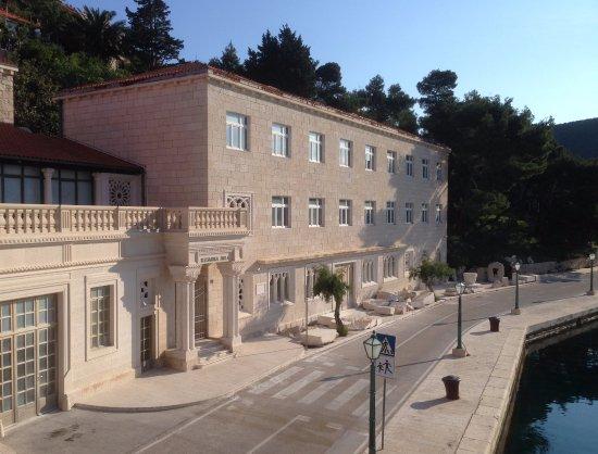 Pucisce, Croatia: Stonemasons' School, Pucisca, Croatia