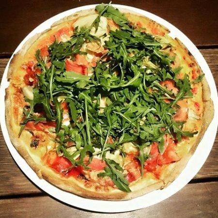 Pizza Picture Of Tazio Birraria Pizzeria Cucina